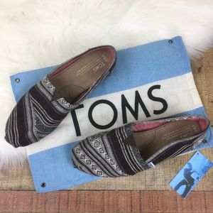 Toms Black, White and Brown Patterned Classics 8.5
